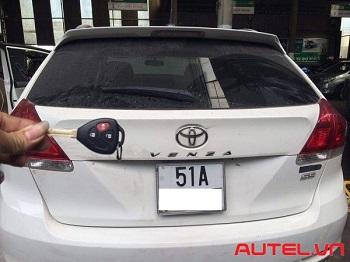 Cài chìa khoá xe Toyota Venza mất hết chìa không cần passcode