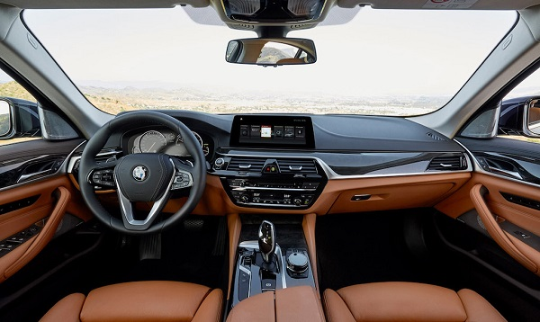 autelvn-chao-don-bmw-5-series-the-he-moi-2017-16