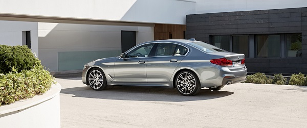 autelvn-chao-don-bmw-5-series-the-he-moi-2017-23