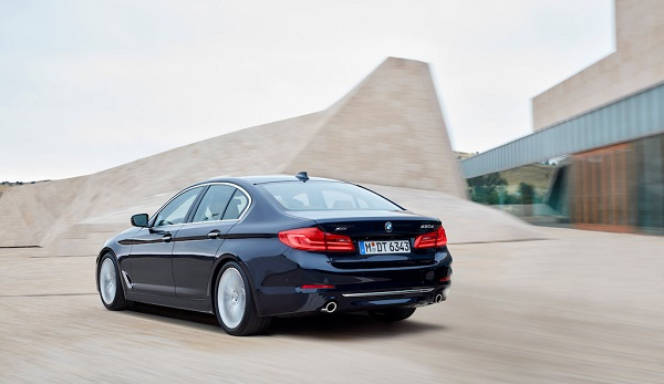 autelvn-chao-don-bmw-5-series-the-he-moi-2017-26