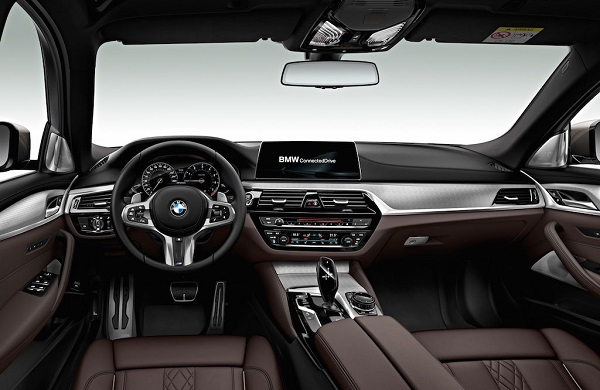 autelvn-chao-don-bmw-5-series-the-he-moi-2017-18