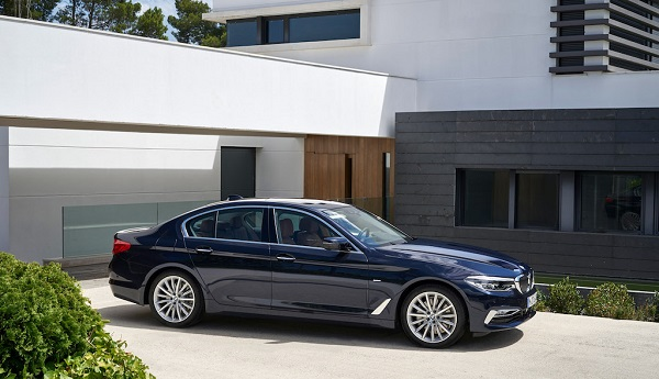 autelvn-chao-don-bmw-5-series-the-he-moi-2017-25