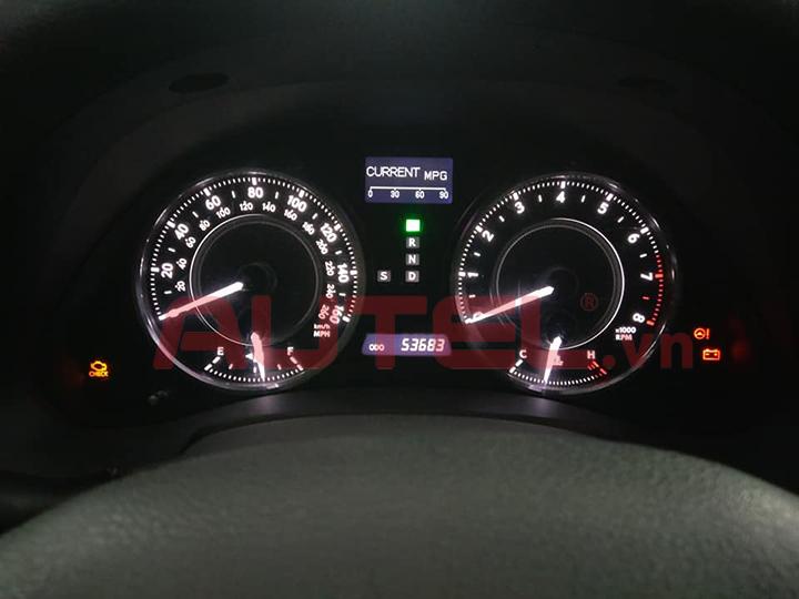 Cài đặt cảm biến áp suất lốp Lexus IS250C 2010